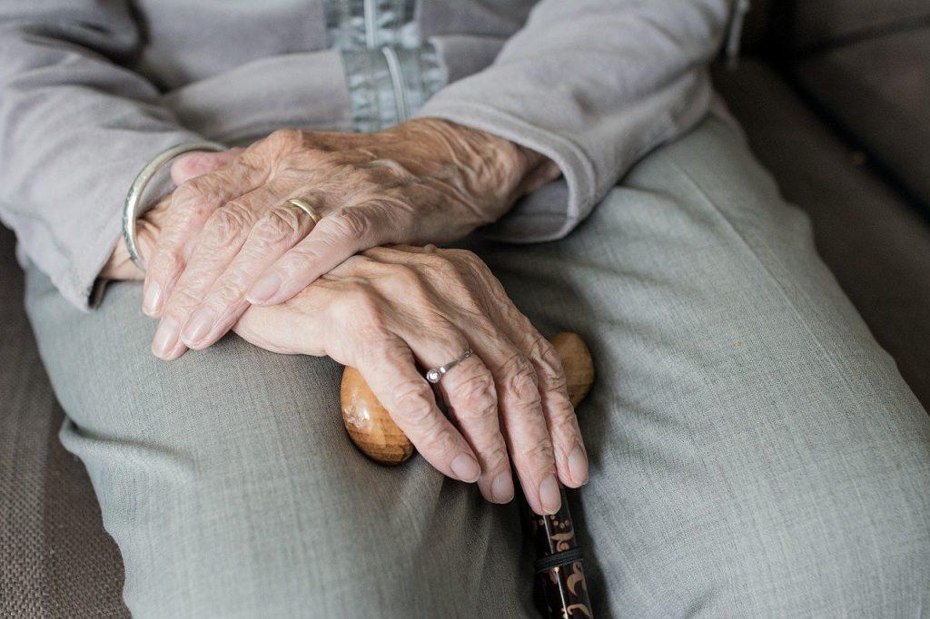 incidencia del covid en ancianos