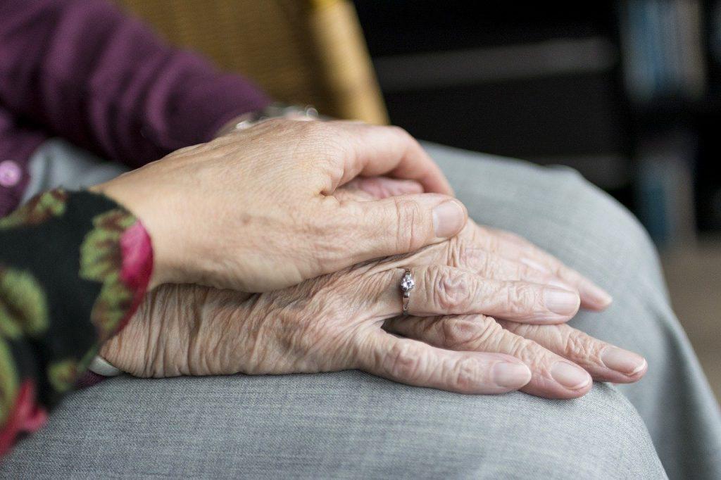 mortalidad del coronavirus en personas mayores en residencias